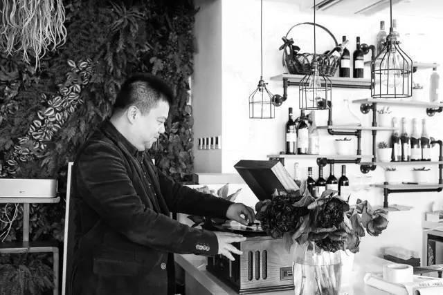 """李翔、脱不花、李开复都在他的社群里,""""山寨发布会""""是如何成功运营的?"""