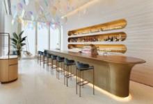 LV开咖啡馆,时尚奢品跨界的冰山一角?